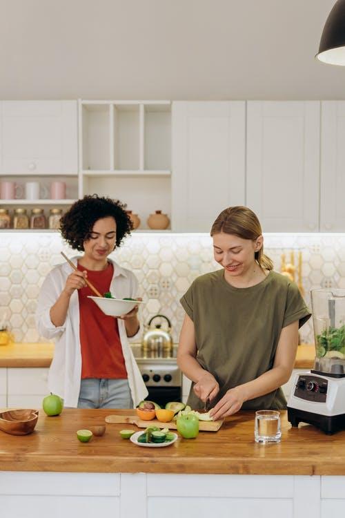 ženy jídlo