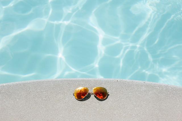 brýle k bazénu