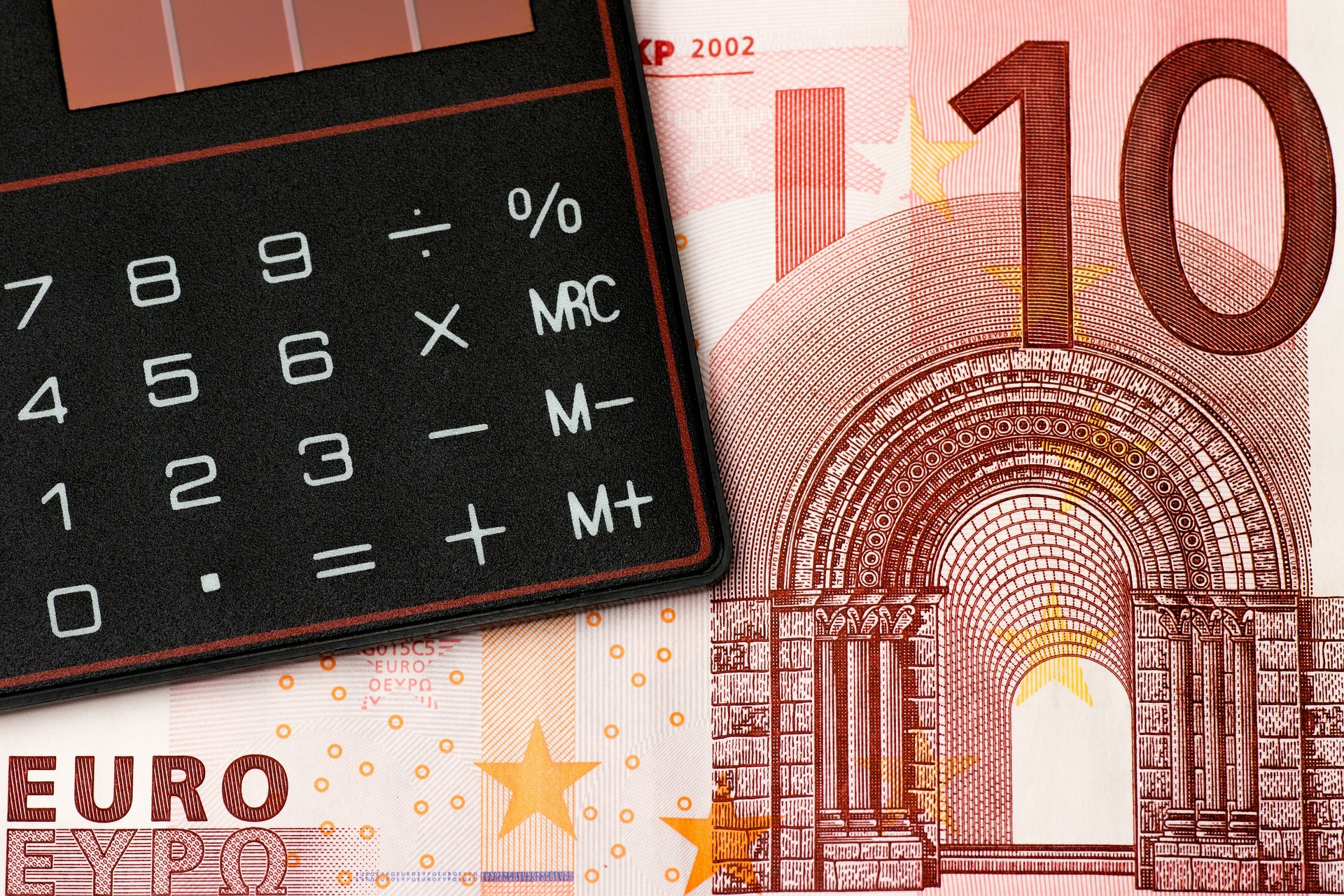 money-167741_1920